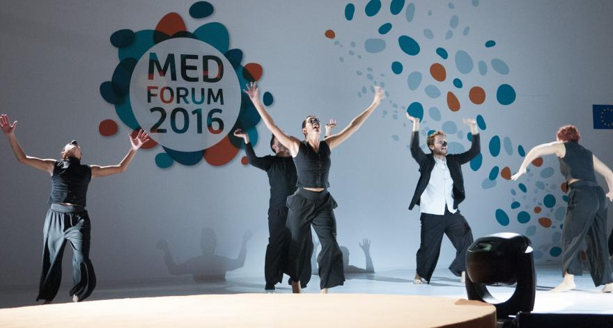 Dance performance at Med Forum 2016